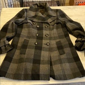The limited wool peacoat plaid gray & black
